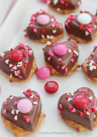 chocolate pretzel hearts